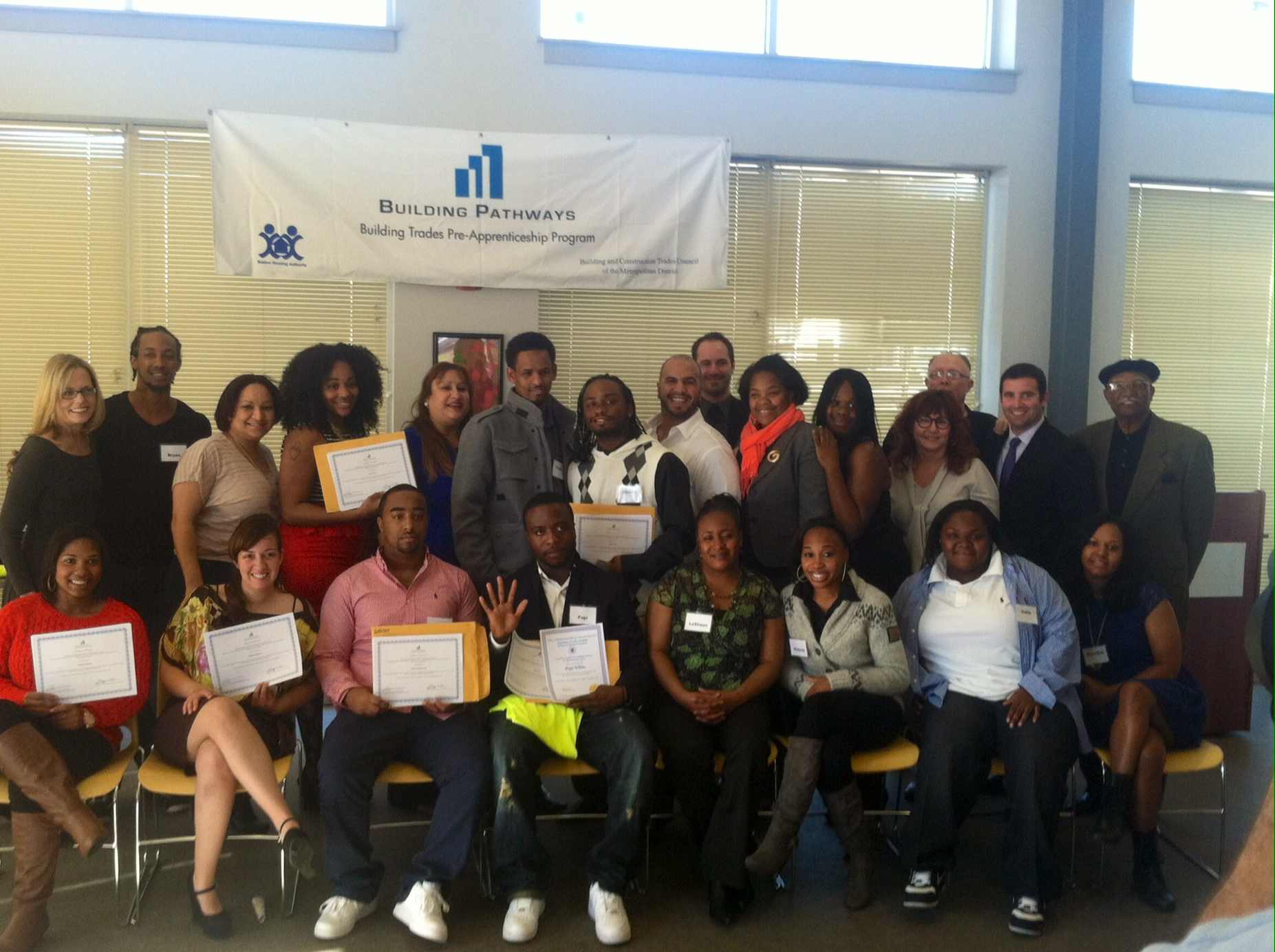 Building Pathways 5th Cycle Graduating Class