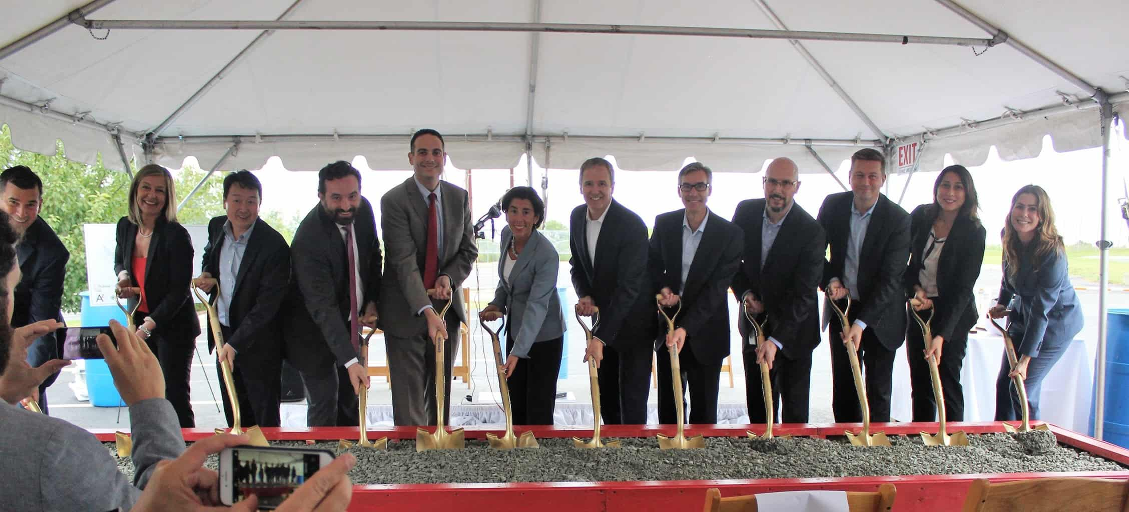 Rhode Island Governor Gina Raimondo joined state and local officials and CEO of Rubius Therapeutics Dr. Pablo Cagnoni to break ground broken on the new Rubius facility.